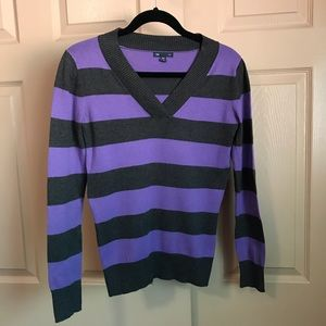 Gap purple and grey rugby v-neck